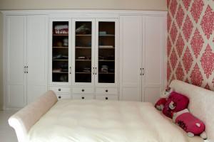 פרטי אחסון בחדר שינה