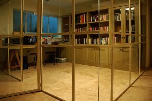 חדר ארונות מדרה
